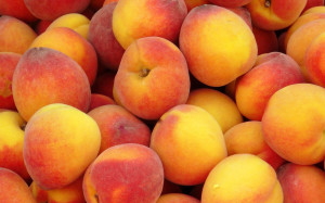 Food_Berries__fruits__nuts_Pile_peaches_032185_